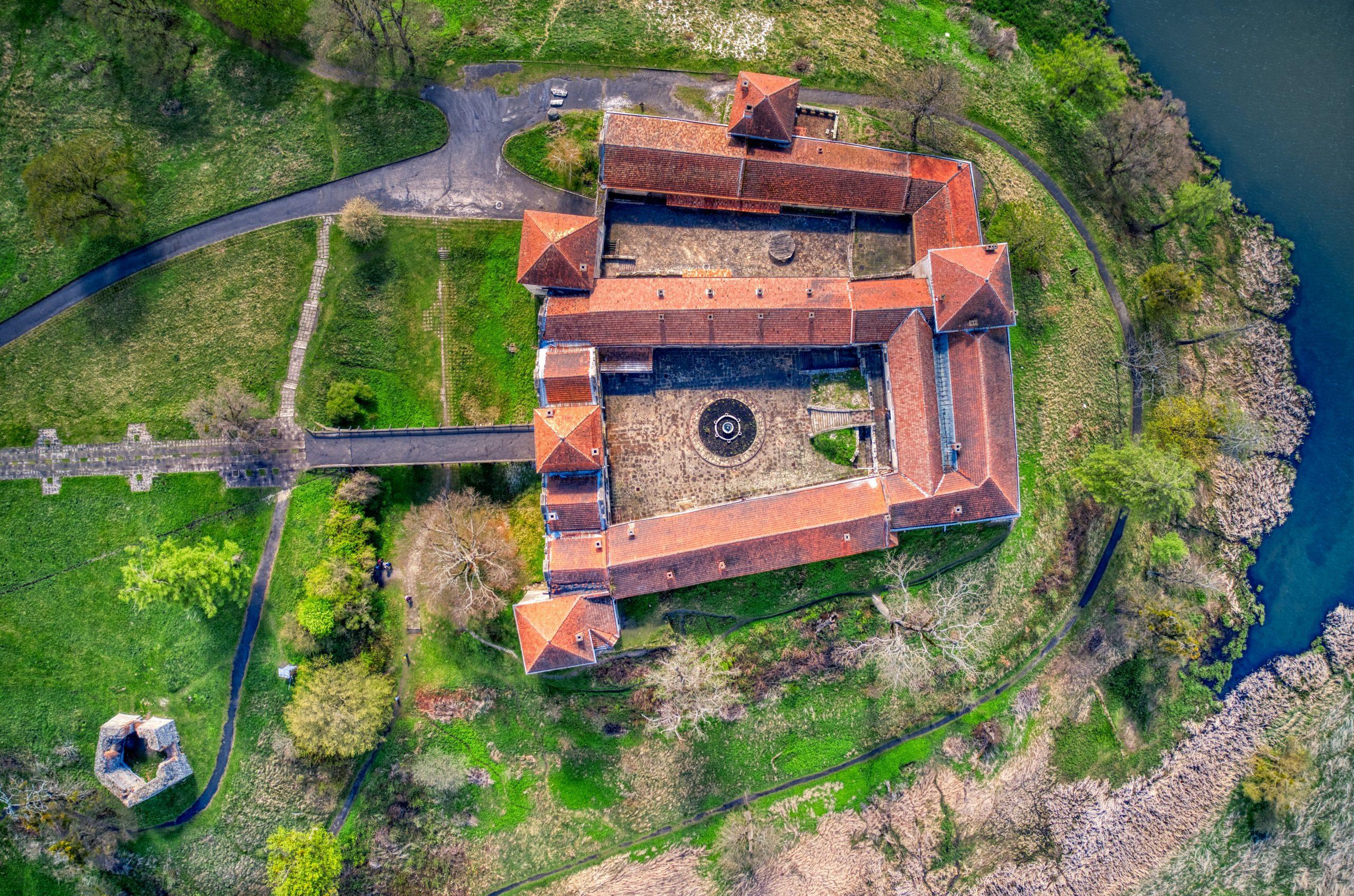 Bogdan - 123memo.co.uk - aerial photography, film, inspections, survey